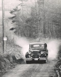 Rattlesnake-Point-Hill-Climb-1-May-1954-8-Jaguar-Mk-V.-driven-by-L.-Cragg